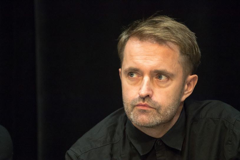 """Już 18 września na ekrany kin wejdzie film """"Interior"""" - nowe dzieło Marka Lechkiego, reżysera kultowego filmu """"Erratum"""", a także hitowych seriali """"Pakt"""" i """"Bez tajemnic""""."""