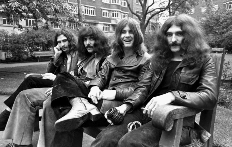 """9 października do sklepów trafi kolekcjonerska wersja deluxe z pięcioma płytami winylowymi z okazji 50. rocznicy wydania legendarnej płyty """"Paranoid"""" grupy Black Sabbath."""