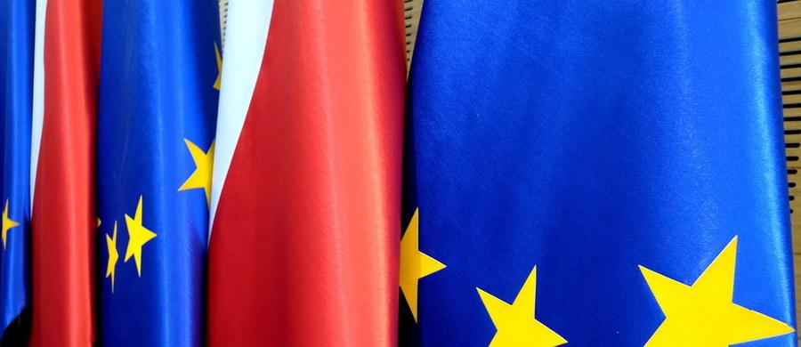 Kwestią praworządności w Polsce znowu mają się zająć się unijni ministrowie. Według wstępnego planu, ma być ona tematem najbliższej Rady ministrów UE ds. europejskich 22 września - dowiedziała się brukselska korespondentka RMF FM Katarzyna Szymańska-Borginon.