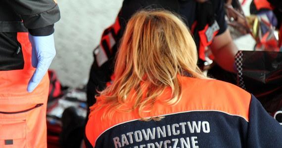Dwie osoby zginęły w wypadku, do którego doszło na niestrzeżonym przejeździe kolejowym w Bajdach koło Krosna na Podkarapaciu.