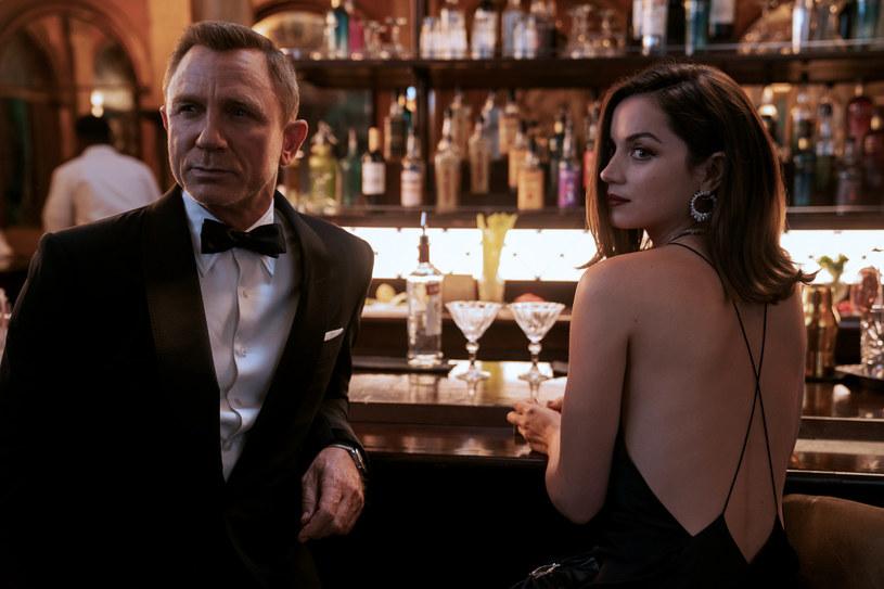 """Premiera nowego filmu o Jamesie Bondzie """"Nie czas umierać"""" po raz kolejny została opóźniona. Obraz trafi na ekrany kin dopiero 2 kwietnia 2021."""