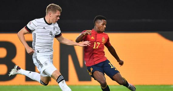 Niemcy zremisowali z Hiszpanami 1:1 w hicie pierwszej kolejki piłkarskiej Ligi Narodów, która ruszyła po długiej przerwie spowodowanej pandemią koronawirusa. Co ciekawe, zwycięstwo umknęło ekipie Joachima Loewa dopiero w ostatnich sekundach spotkania.