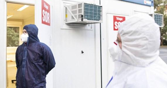 Resort zdrowia poinformował o 691 nowych przypadkach koronawirusa oraz zgonach 8 osób. Łącznie od początku epidemii w Polsce SARS-CoV-2 zaraziło się 69 820 osób, a 2 100 zmarło. Z kolei liczba ozdrowieńców po raz pierwszy przekroczyła tysiąc.