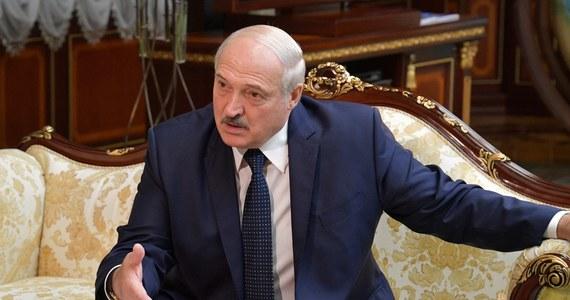 """Za sprawą Niemiec wspieranych przez Francję i Włochy prezydent Alaksandr Łukaszenka nie znajdzie się na przygotowywanej liście białoruskich osobistości oficjalnych objętych sankcjami Unii Europejskiej - poinformował w piątek, powołując się na własne źródła, niemiecki dziennik """"Die Welt""""."""