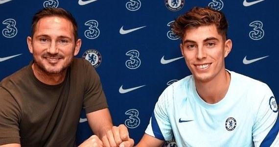 Chelsea Londyn potwierdziła transfer niemieckiego pomocnika Kaia Havertza. To już szóste wzmocnienie londyńczyków od momentu, w którym zniesiono zakaz transferowy wobec nich.