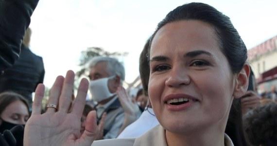 Liderka białoruskiej opozycji Swiatłana Cichanouska wezwała ONZ do potępienia brutalnej przemocy, stosowanej przez służby bezpieczeństwa wobec demonstrantów na Białorusi. Zaapelowała także o wysłanie na Białoruś misji obserwacyjnej ONZ.