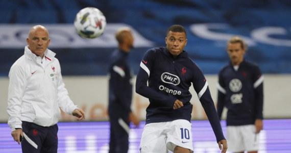 Zamieszanie przed wieczornym pojedynkiem piłkarskiej Ligi Narodów Francja-Chorwacja. Część specjalistów domaga się odwołania spotkania z powodu wykrycia koronawirusa u paryskiego gwiazdora futbolu Kyliana Mbappe.