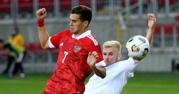 Piłkarze reprezentacji Polski do lat 21 wygrali w Łodzi Rosją 1:0 (0:0) w meczu eliminacji mistrzostw Europy. Dzięki wygranej biało-czerwoni tracą tylko punkt do zajmującego pierwsze miejsce wtorkowego rywala. W kolejnym spotkaniu zagrają na wyjeździe z Serbią.