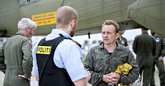 """W 2018 roku duński wynalazca Peter Madsen został skazany za brutalne zabójstwo szwedzkiej dziennikarki Kim Wall. Dopiero teraz, po dwóch latach po raz pierwszy przyznał, że zabił kobietę. """"To mój błąd"""" - oświadczył. Kim Wall została zamordowana w sierpniu 2017 roku. Peter Madsen poćwiartował ciało 30-latki i wrzucił do morza. W kwietniu 2018 roku sąd w Kopenhadze skazał go na dożywotnie więzienie."""