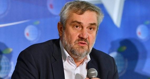 """To relacje między PiS a koalicjantami zdecydują o liczbie ministerstw; resort rolnictwa jednym z kluczowych, może nawet zostać rozbudowany do takich rozmiarów jak w innych krajach UE, czyli powiększone o rybołówstwo, łowiectwo - mówi """"Super Expressowi"""" minister rolnictwa Jan Krzysztof Ardanowski."""