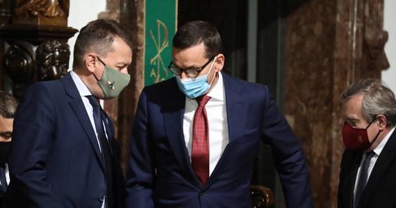 Wiejska 4/6/8 oraz Nowogrodzka 84/86 to dwa adresy, przy których toczyć się będzie w tym tygodniu polityczna gra. Rekonstrukcja rządu oraz powakacyjne wznowienie obrad Sejmu - to kluczowe wydarzenia w polityce w nadchodzącym tygodniu.