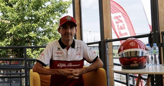 Robert Kubica (BMW M4 DTM) zajął 12. miejsce w niedzielnym wyścigu serii DTM na niemieckim Nuerburgringu. Zwyciężył Holender Robin Frijns (Audi RS 5 DTM). Lider cyklu Szwajcar Nico Mueller (Audi RS 5 DTM) zajął piąte miejsce.