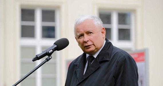 """Ci, którzy nie walczyli – przykładów z Europy nie brakuje – przegrali. Ja ręki do tego, żebyśmy przegrywali z tym, co uważam za zagrażające samym fundamentom naszej cywilizacji, nie przyłożę - mówi w wywiadzie dla tygodnika """"Sieci"""" prezes PiS Jarosław Kaczyński."""