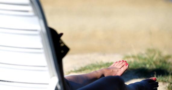 Instytut Meteorologii i Gospodarki Wodnej wydał alert pierwszego stopnia przed upałem dla województw: lubuskiego oraz dolnośląskiego. Miejscami temperatura może przekroczyć 30 stopni Celsjusza. Letnia pogoda w całym kraju ma się utrzymać aż do czwartku.