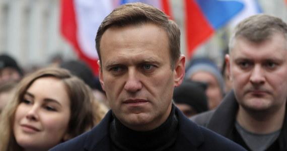 Stan Aleksieja Nawalnego poprawia się - poinformowała klinika Charite w Berlinie, w której przebywa rosyjski opozycjonista. Jak wskazują badania, Nawalny został otruty środkiem bojowym typu nowiczok.