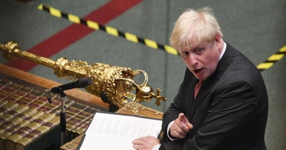 Budzący kontrowersje projekt ustawy o brytyjskim rynku wewnętrznym przeszedł pierwszy etap legislacyjny. Późnym wieczorem posłowie zgodzili się na jego skierowanie do dalszych prac w komisjach.
