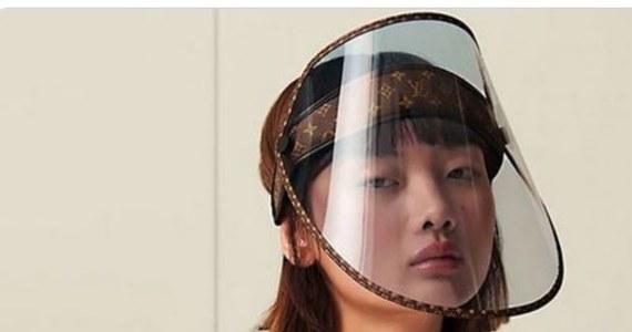 Paryska moda kontra druga fala epidemii koronawirusa. Elegancką, a do tego prawdopodobnie najdroższą przyłbicę ochronną, zamierza wkrótce sprzedawać zamożnym klientkom z całego świata słynny francuski dom mody Louis Vuitton.