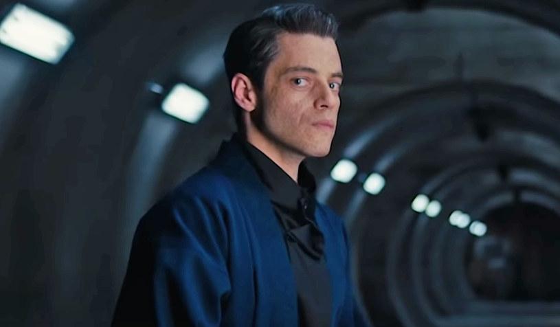 """Na początek listopada tego roku zaplanowana została premiera najnowszej odsłony przygód agenta 007 Jamesa Bonda. Film """"Nie czas umierać"""" polscy widzowie będą mogli zobaczyć od 20 listopada. W kolejnym materiale promocyjnym filmu opublikowanym przez studio MGM przedstawiony został główny czarny charakter filmu, Safin, w którego rolę wcielił się Rami Malek."""