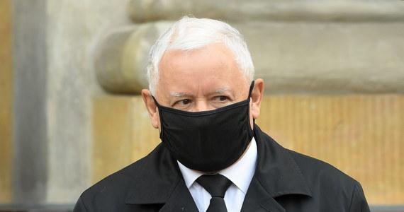 Jarosław Kaczyński jako wicepremier mógłby bezpośrednio nadzorować bezpieczeństwo państwa. To jeden z pomysłów, który według ustaleń środowego Faktu, wysunęli działacze PiS w trakcie koalicyjnych negocjacji.