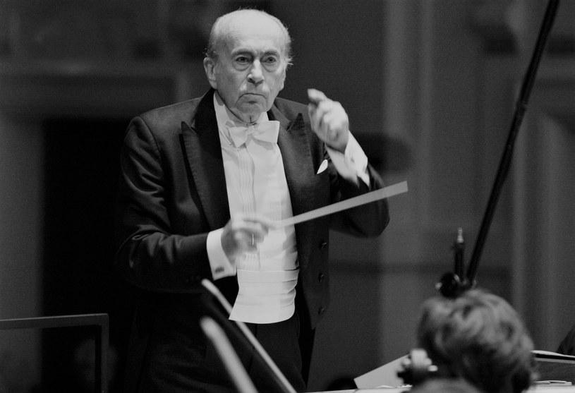 """Jan Krenz, wybitny dyrygent i kompozytor, zmarł w wieku 94 lat. To jemu zawdzięczamy muzykę m.in. do """"Kanału"""" Andrzeja Wajdy oraz """"Eroiki"""" i """"Zezowatego szczęścia"""" Andrzeja Munka."""