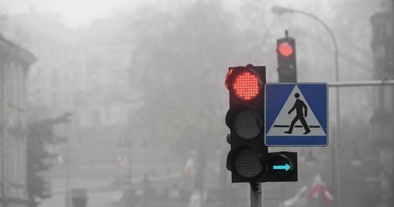 """""""Ministerstwo Infrastruktury rozpoczęło prace nad nowelizacją rozporządzeń w sprawie znaków i sygnałów drogowych oraz urządzeń bezpieczeństwa ruchu drogowego i warunków ich umieszczania na drogach"""" - poinformował resort."""