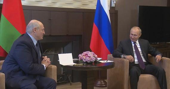 """W sterowanym przez USA planie destabilizacji Białorusi Polska odgrywała rolę """"inkubatora mediów"""", a następnie platformy dla alternatywnych władz na wygnaniu – oświadczył w środę białoruski prezydent Alaksandr Łukaszenka."""