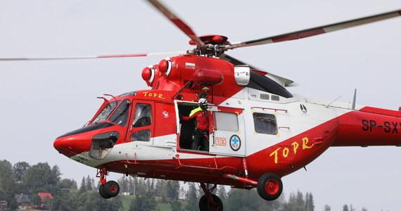 W trakcie nocnych poszukiwań ratownicy TOPR odnaleźli w rejonie Morskiego Oka ciało młodego turysty, który najprawdopodobniej spadł z Żabiego Szczytu Niżniego. To już czwarta ofiara Tatr w przeciągu ostatnich dziewięciu dni.