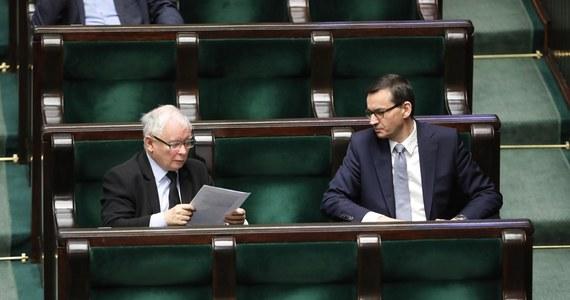 Mateusz Morawiecki jeszcze dziś spotka się z Jarosławem Kaczyńskim w sprawie dalszego funkcjonowania rządu i prawdopodobnej dymisji Zbigniewa Ziobry z funkcji ministra sprawiedliwości. Jak ujawnił reporter RMF FM, Patryk Michalski, lider Solidarnej Polski może zostać wyrzucony z rządu już w nadchodzącym tygodniu.