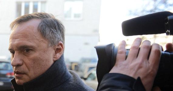 Przełom w śledztwie w sprawie afery GetBack. Prokuratura chce aresztowania Leszka Czarneckiego. Jak dowiedzieli się reporterzy śledczy RMF FM, w sądzie jest już wniosek Prokuratury Regionalnej w Warszawie w sprawie znanego biznesmena. Jego obrońca twierdzi, że zarzuty stawiane Leszkowi Czarneckiemu są absurdalne.