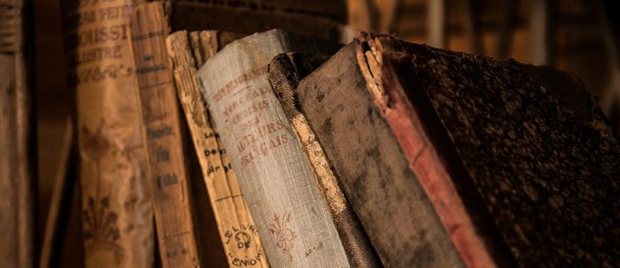 W Rumunii odkryto około 200 starodawnych ksiąg i inkunabułów o szacunkowej wartości ponad 2,5 mln euro. Dzieła zostały skradzione w 2017 roku z magazynu w Wielkiej Brytanii.