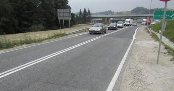 W poniedziałek rozpocznie się remont drogi krajowej nr 28, czyli popularnej zakopianki, w Skomielnej Białej. Kierowcy podróżujący do i z Zakopanego muszą się liczyć z utrudnieniami, które można będzie ominąć, jadąc tak zwaną starą zakopianką.
