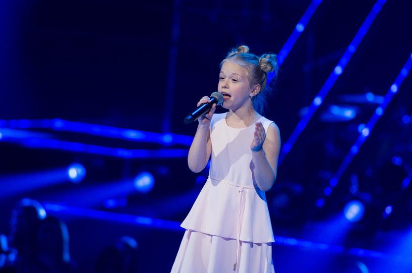 """Znana z trzeciej edycji """"The Voice Kids"""" Ala Tracz została ostatnią finalistką programu """"Szansa na sukces. Eurowizja Junior 2020""""."""