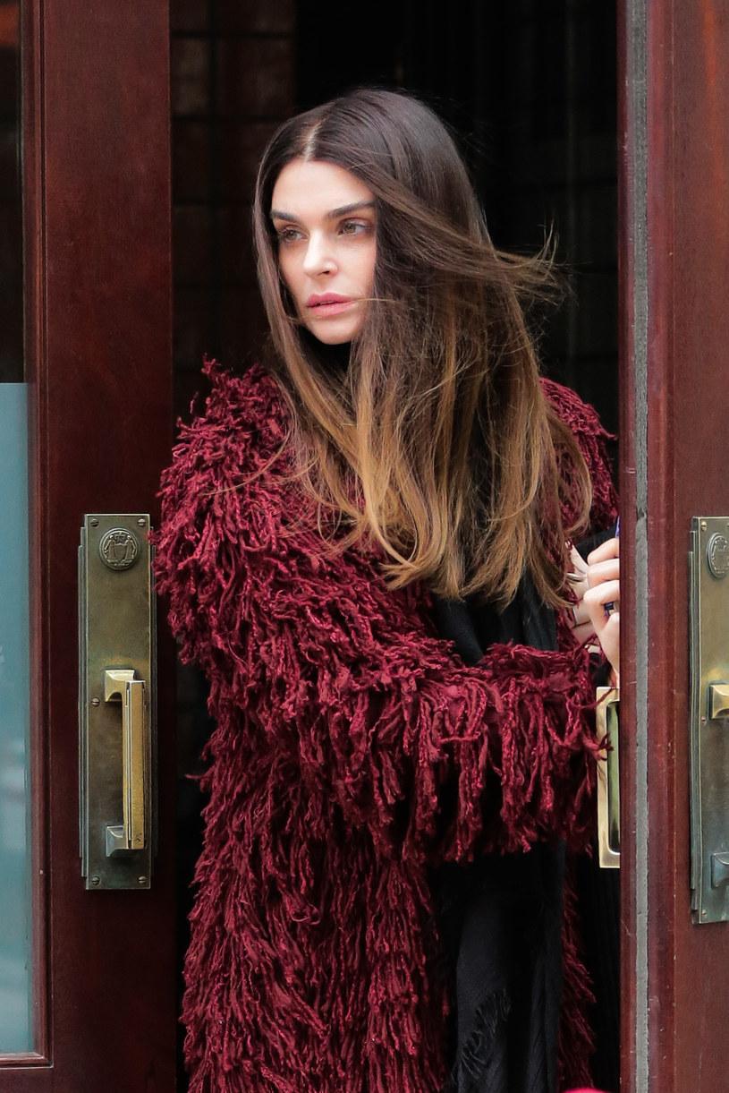 Aimee Osbourne, córka wokalisty Black Sabbath, Ozzy'ego Osbourne'a, wyda niedługo debiutancki album. W sieci pojawił się singel promujący płytę.