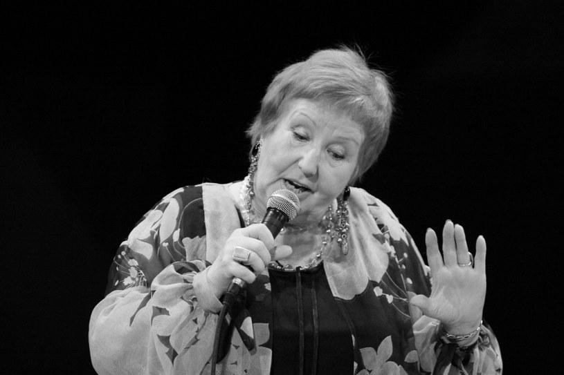 W poniedziałek (28 września) na Starych Powązkach w Warszawie odbędzie się ostatnie pożegnanie Hanny Rek-Wyrobek, polskiej piosenkarki popularnej głównie w latach 60. Była żoną Bogusława Wyrobka, pierwszego polskiego wokalisty rockandrollowego.