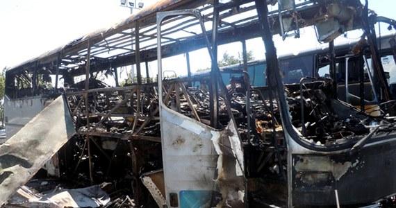 Sąd w Sofii skazał zaocznie na dożywocie dwóch mężczyzn, którzy w 2012 roku w Burgas, na południowym wschodzie Bułgarii, dokonali zamachu bombowego na autobus z izraelskimi turystami. Zginęło wówczas siedem osób, w tym trzeci sprawca zamachu.