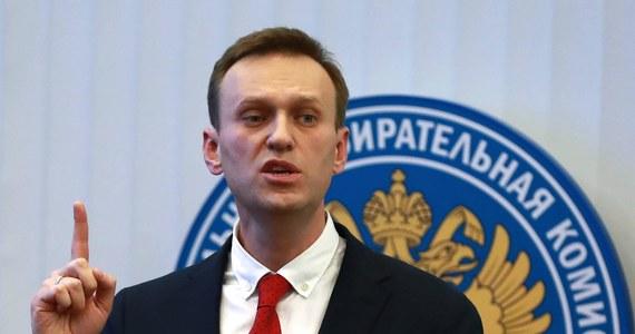 Przebywający na leczeniu w Berlinie rosyjski opozycjonista Aleksiej Nawalny domaga się od Rosji zwrotu ubrania, w którym przywieziono go do szpitala w Omsku. Jego zdaniem badania, którym został poddany po próbie otrucia go, wykazały obecność Nowiczoka także na jego ciele i odzieży.