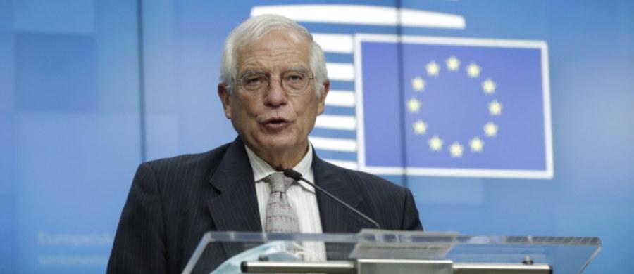 Nie uznajemy Alaksandra Łukaszenki za prawowicie wybranego prezydenta - oświadczył szef unijnej dyplomacji Josep Borrell po posiedzeniu unijnych ministrów spraw zagranicznych. Jak zaznaczył, UE uważa wybory prezydenckie z 9 sierpnia za sfałszowane.