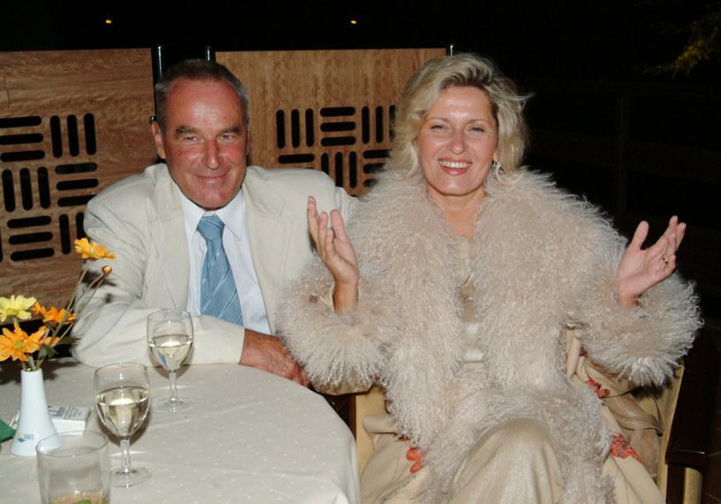Jerzy Bernatowicz i Ewa Kasprzyk byli ze sobą przez 36 lat. Według najnowszych medialnych doniesień znana aktorka wzięła rozwód. Do rozstania miało dojść już rok temu.