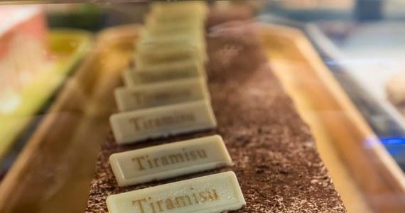 Organizatorzy mistrzostw świata w przyrządzaniu tiramisu, jakie odbędą się w Treviso, poszukują stu jurorów, którzy ocenią ten pochodzący z północy Włoch deser. Rekrutacja kandydatów trwa w mediach społecznościowych. Jurorzy spróbują dwieście porcji przysmaku.