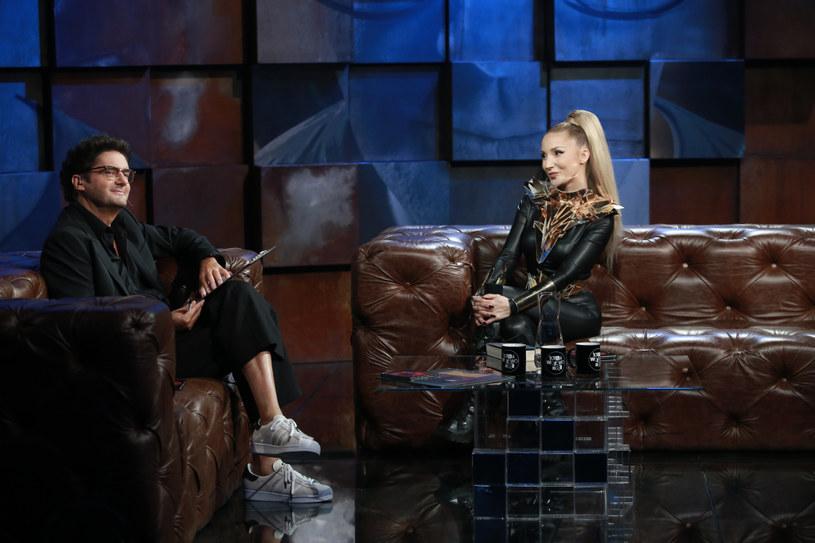 """Wyglądająca jak """"filmowa Barbarella"""" wokalistka Cleo we wtorek (22 września) po siedmiu latach wystąpiła w programie Kuby Wojewódzkiego. Co zdradziła popularnemu dziennikarzowi?"""