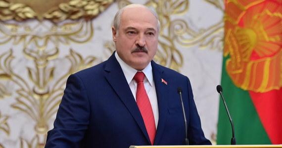 """Stany Zjednoczone """"nie mogą uznawać Alaksandra Łukaszenki za legalnie wybranego przywódcę Białorusi"""" - przekazał w oświadczeniu dla PAP rzecznik Departamentu Stanu USA."""