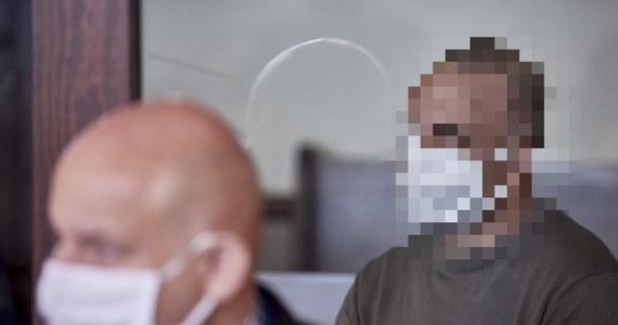 30 września Sąd Apelacyjny w Gdańsku wyda wyrok ws. 45-letniego Daniela M. Mężczyzna jest oskarżony o zabójstwo żony w 1998 r. w Debrznie (Pomorskie). Śledztwo w tej sprawie wszczęto po ustaleniach policyjnego Archiwum X, badającego niewyjaśnione przestępstwa sprzed lat.