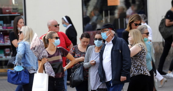 Minister zdrowia zaproponuje nowe obostrzenia dot. spotkań w strefach czerwonych i żółtych. Jak zapowiedział rzecznik resortu zdrowia Wojciech Andrusiewicz, propozycje mają być przedstawione w przyszłym tygodniu.