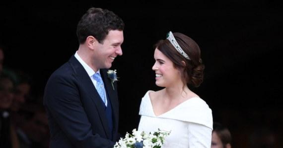 Wnuczka brytyjskiej królowej Elżbiety II, księżniczka Eugenia, i jej mąż Jack Brooksbank spodziewają się dziecka na początku 2021 roku - poinformował w piątek Pałac Buckingham.