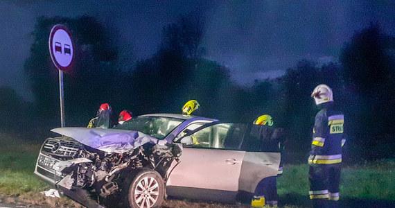 Jedna osoba została ranna w wypadku, do którego w piątek wieczorem doszło na Opolszczyźnie. Zdjęcia dostaliśmy na Gorącą Linię RMF FM.