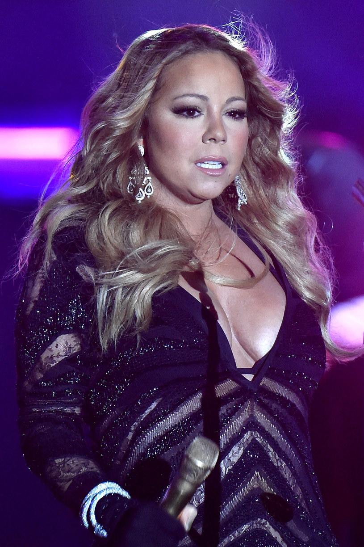 W najnowszym wywiadzie dla Oprah Winfrey Mariah Carey wyznała, jak wyglądało jej dzieciństwo. Wokalistka w mocnych słowach opisała relacje ze swoim rodzeństwem. Więcej ujawni w swojej najnowszej książce.