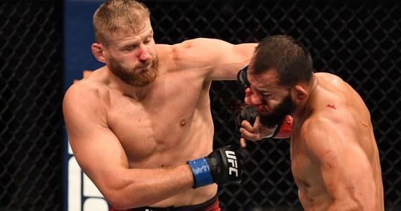Jan Błachowicz jako pierwszy polski zawodnik zdobył pas mistrzowski prestiżowej organizacji Ultimate Fighting Championship w mieszanych sztukach walki. W Abu Zabi na gali UFC Polak wygrał w drugiej rundzie z Amerykaninem Dominickiem Reyesem.