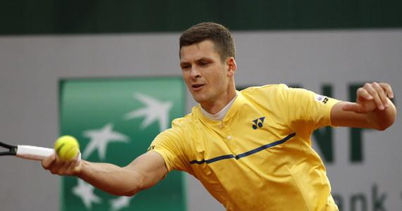 Rozstawiony z numerem 29. Hubert Hurkacz na 1. rundzie zakończył występ w wielkoszlemowym French Open. Wrocławianin przegrał z amerykańskim tenisistą Tennysem Sandgrenem 5:7, 6:2, 6:4, 6:7 (1-7), 9:11. Natomiast Magda Linette przegrała z niżej notowaną Kanadyjką Leylah Fernandez.