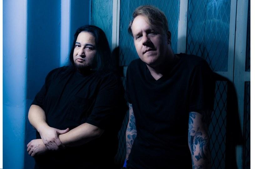 """""""Nie chciałem być częścią tej toksycznej psychodramy"""" - o swoim odejściu z Fear Factory pisze wokalista Burton C. Bell."""