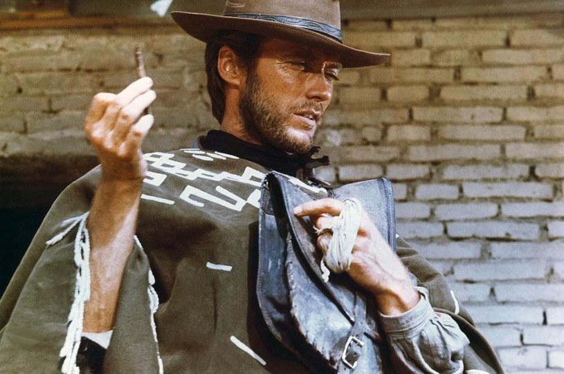 """""""Za garść dolarów"""" to legendarny spaghetti western z 1964 roku wyreżyserowany przez mistrza tego gatunku Sergio Leone. Rola główna w tym filmie przyniosła sławę Clintowi Eastwoodowi. Teraz główny bohater """"Za garść dolarów"""", niejaki """"Mężczyzna bez nazwiska"""", powróci w telewizyjnym serialu, do którego scenariusz ma napisać Bryan Cogman, jeden ze scenarzystów """"Gry o tron""""."""